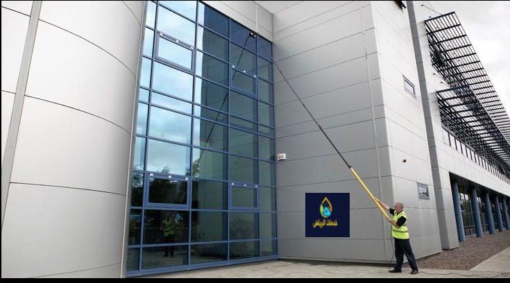 شركة تنظيف واجهات زجاج بالرياض 0576474432تنظيف واجهات مرتفعة